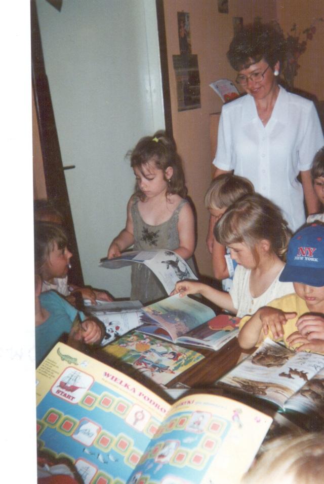 Filia w Wysokiej - lekcja biblioteczna dla przedszkolaków (maj 2000 r.)