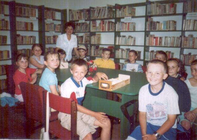 Lekcja biblioteczna dla  uczniów (czerwiec 2003 r.)