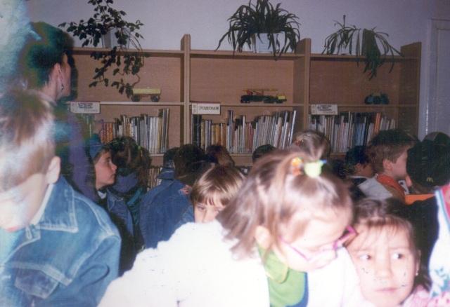 Lekcja biblioteczna dla przedszkolaków (czerwiec 1999 r.)