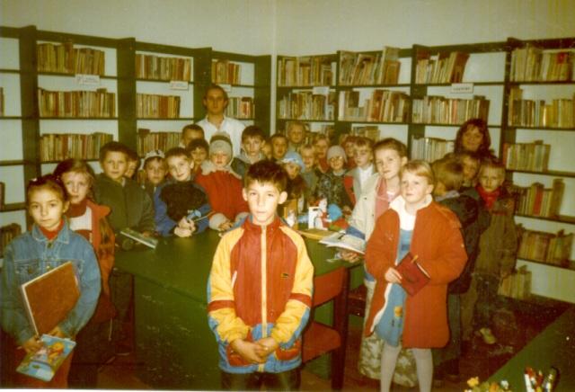 Lekcja biblioteczna dla uczniów (październik 2004 r.)