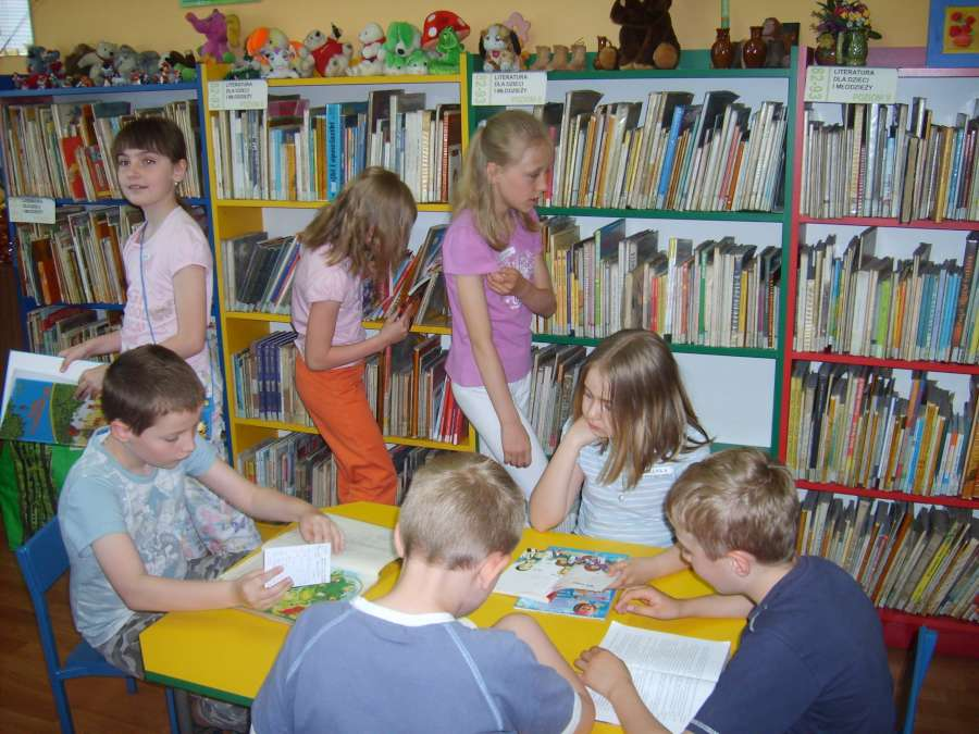 zawod_bibliotekarza_2_08-06-2010-900