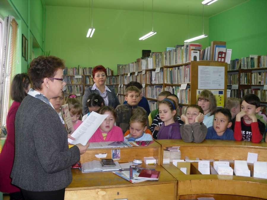 zawod_bibliotekarza_2_26-10-2010-900