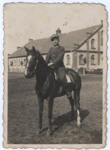 Strzelec 63 Pułku Ułanów Śląskich w Tarnowskich Górach Piotr Karbownik z Niegowonic. Zginął w kampanii wrześniowej 1939 roku. Zdjęcie udostepniła Urszula Osikowicz