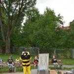 Fotografia uczestników spotkania z pszczelarzem