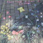 Fotografia łąki namalowanej na chodniku