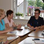 Bezpieczeństwo w Internecie - rozmowa seniorów w grupie 2